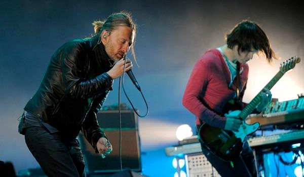 Thom Yorke (izquierda) y Jonny Greenwood (derecha) explicaron que nunca pensaron en lanzar las grabaciones de sus ensayos y que no les parecían algo interesante. Foto: Archivo/AP