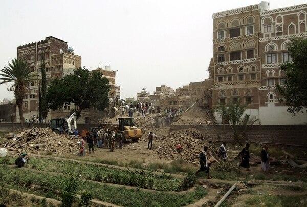 Bombardeo en Saná destruyó edificios históricos