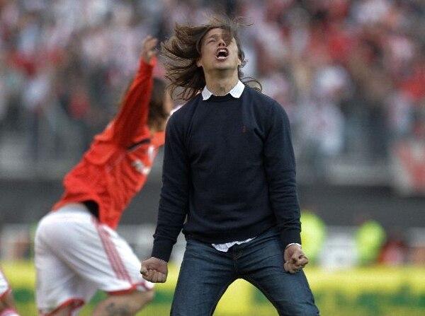 Matías Almeyda dirigió a dos clubes grandes de América: River Plate de Argentina y Chivas de México. Fotografía: AP.