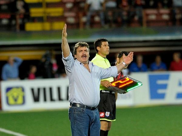 El técnico Óscar Ramírez estuvo eufórico el miércoles anterior en el último partido de la Liga ante el Santos de Guápiles | MELISSA FERNÁNDEZ