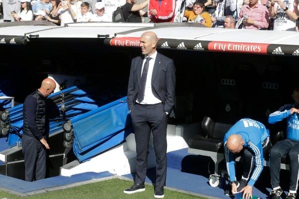 Zinedine Zidane durante el juego en el Santiago Bernabéu. Foto: AP/Paul White