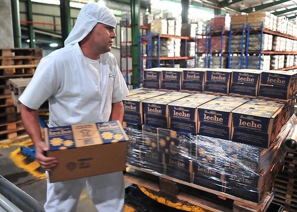 La empresa lechera Dos Pinos dijo que concentrará todos sus esfuerzos de ventas en Centroamérica y el Caribe. Por eso, ya no exporta ni a China ni a otros mercados lejanos.
