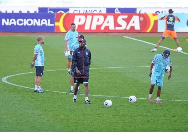 Paulo César Wanchope durante el entrenamiento de este miércoles en el Estadio Nacional.