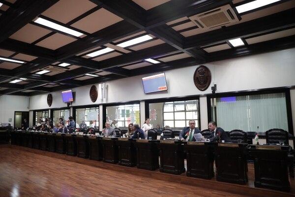 Legisladores sesionaron de forma extraordinaria esta mañana para dejar en firme el plan. Fotografía: Alejandro Gamboa Madrigal