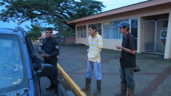 El sobreviviente explicó lo sucedido a las autoridades ticas, dijo que se hizo el muerto.