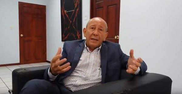 Luis Carlos Delgado, presidente del Conassif, defendió este lunes los cambios propuestos sobre las inversiones de las OPC. Él se negó a dar una entrevista a La Nación sobre este tema la semana anterior. Foto: Patricia Leitón.