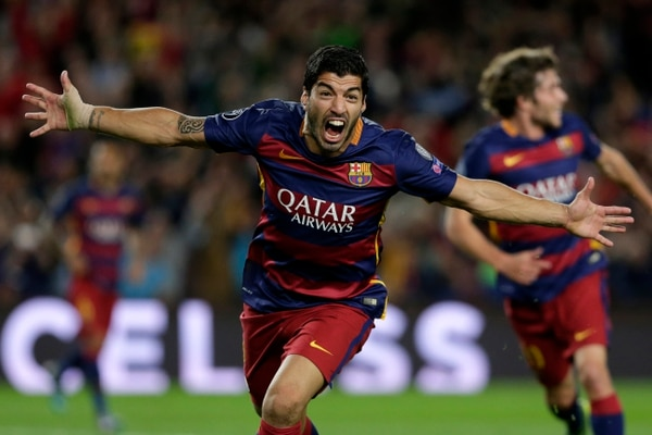 Luis Suárez festeja el gol del triunfo del Barcelona ante el Bayer Leverkusen.