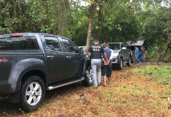 El sospechoso de apellido Vargas fue llevado a su casa en San Gerardo de Ticabán, la cual fue allanada en busca de evidencias del crimen. Foto de Reiner Montero