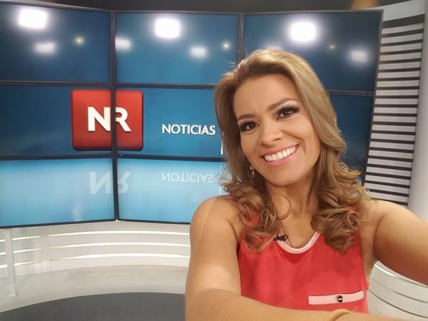 Karina Alpízar es el rostro al frente de 'Noticias Repretel Digital'.