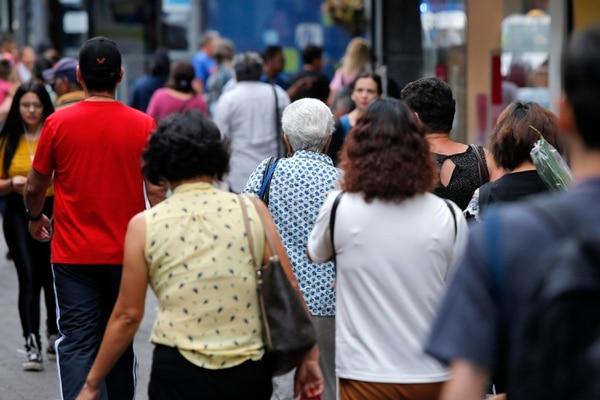 Costa Rica es ya un país envejecido. La población debe educarse sobre este tema para tratar mejor a los actuales adultos mayores, pero también a la gran cantidad que se prevé habrá en un futuro. Foto: Mayela López