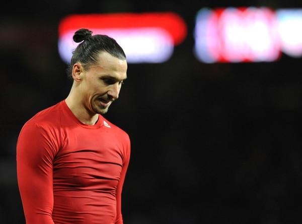 Zlatan Ibrahimovic se lamenta tras el empate del Manchester United ante el West Ham.