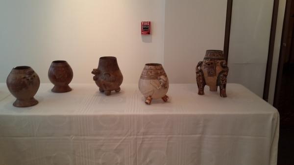 Entre las piezas precolombinas recuperadas destacan 5 jarrones de cerámica de la región de Guanacaste