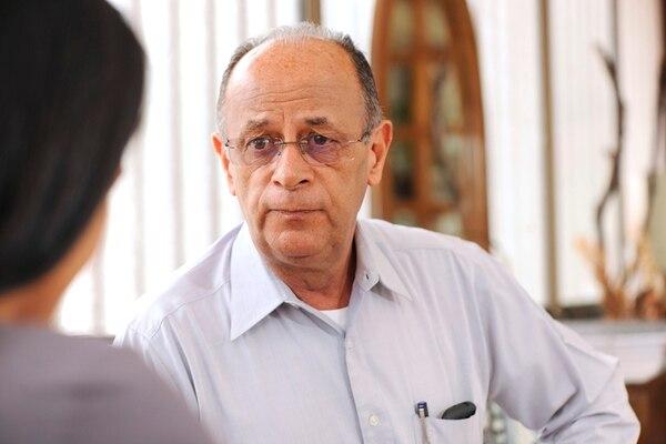Rafael Ángel Guillén, de 70 años, asegura que sufrió un daño moral grande por verse expuesto públicamente con cargos falsos. Él dirigió la Policía Judicial entre 1990 y 1994 y ahora labora como abogado penalista. Dice que su carrera como profesional independiente se vio afectada. | EYLEEN VARGAS.