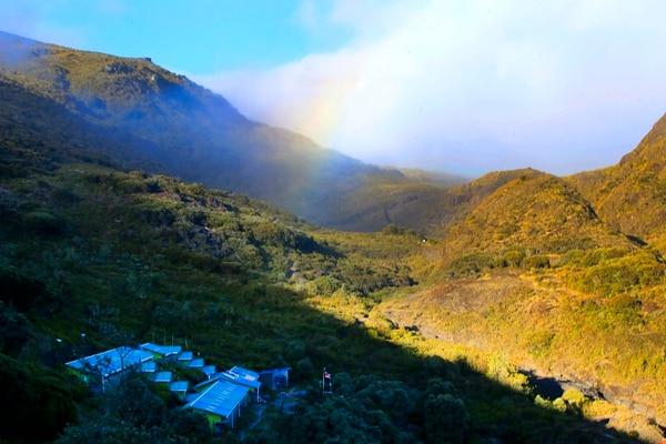 Parque Nacional cerro Chirripó. Vista panorámica del parque y en primer plano, abajo, el Albergue Base Crestones. Foto: Rafael Pacheco / La Nación