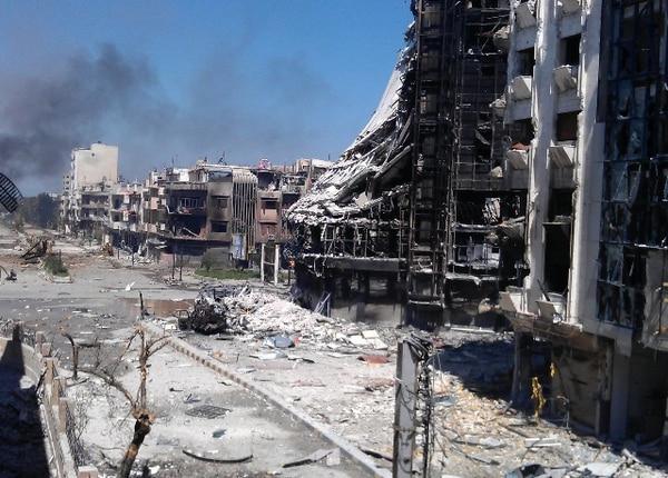 La ciudad de Homs también ha sufrido los rigores de la guerra en Siria. El 13 de abril del 2012, un bombardeo de fuerzas del gobierno causó graves daños en el barrio de Jurat al-Shayah.