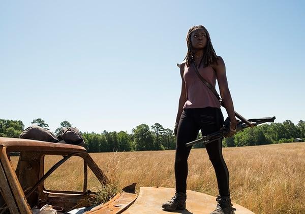 Michonne (Danai Gurira) poco a poco vuelve a su modalidad de guerrera.