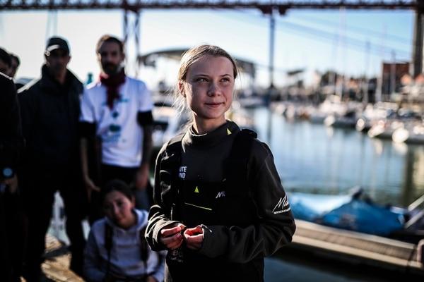 La activista climática sueca Greta Thunberg desembarcó del catamarán La Vagabonde en los muelles de Santo Amaro en Lisboa, el 3 de diciembre de 2019. Fotografía: AFP
