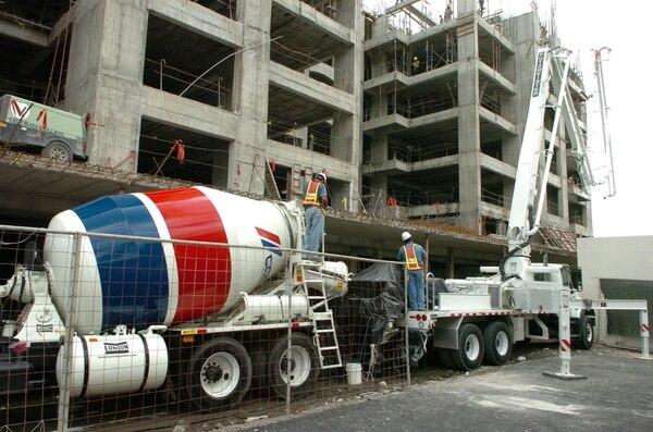 Según la CE, la operación podría afectar a la competencia en los mercados del cemento, el hormigón y agregados.