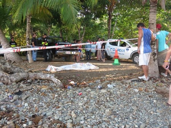 El agricultor Johnny Araya Barquero, de 20 años, murió ahogado el Viernes Santo en playa Dominicalito de Osa, Puntarenas. Según el OIJ, esta semana se recibieron siete cuerpos procedentes de ríos y playas. | ALFONSO QUESADA.