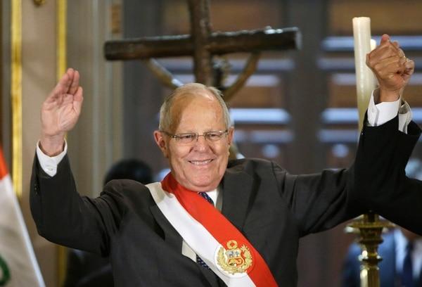 El presidente de Perú, Pedro Pablo Kuczynski, acudió a la ceremonia de juramentación del ministro del Interior, Vicente Romero, en el palacio de gobierno, en Lima, el 27 de diciembre del 2017.