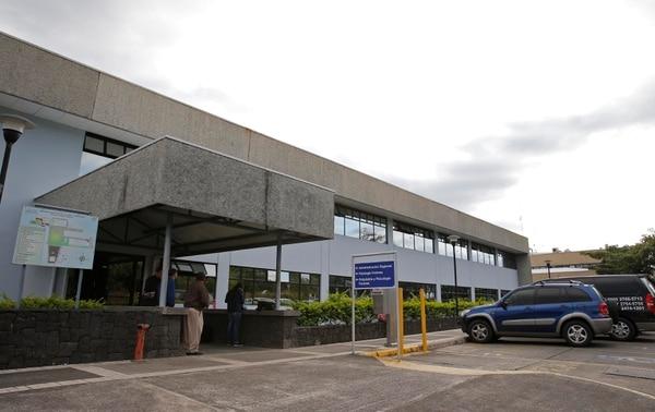La mayoría de autopsias médico-legales se realizan en San Joaquín de Flores. Foto: Archivo/ Mayela López
