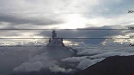 Volcán Turrialba hizo erupción de 1.000 metros de altura