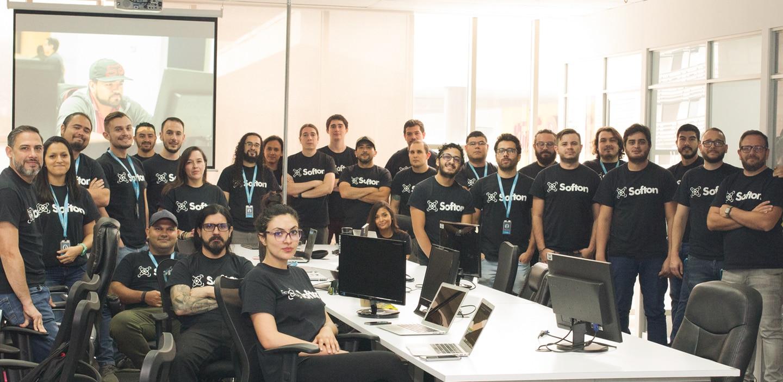 La empresa costarricense de desarrollo de 'software' tiene dentro de su equipo a ingenieros en informática, así como personal administrativo. Foto: Cortesía