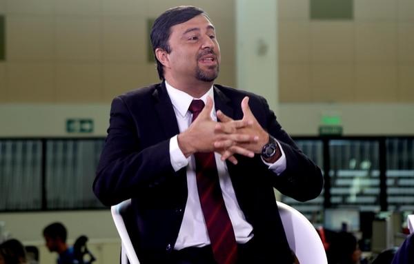 En el IVM cotizan 1,7 millones de trabajadores, 88.000 patronos y el Estado. Además, actualmente, tiene 281.000 jubilados. Jaime Barrantes, gerente de Pensiones de la Caja, afirma que las reformas para dar sostenibilidad al sistema deben discutirse de inmediato. Foto: Alonso Tenorio.