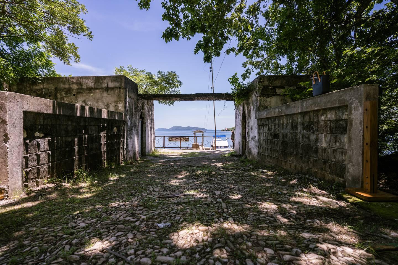 Ya se puede visitar turísticamente la Isla de San Lucas, la cual mezcla una de las naturalezas más hermosas de todo el país y uno de los capítulos más horrorosos de nuestra historia, porque ahí estuvo, por más de 100 años, la cárcel tica más inhumana. José León Sánchez, escritor, estuvo preso ahí