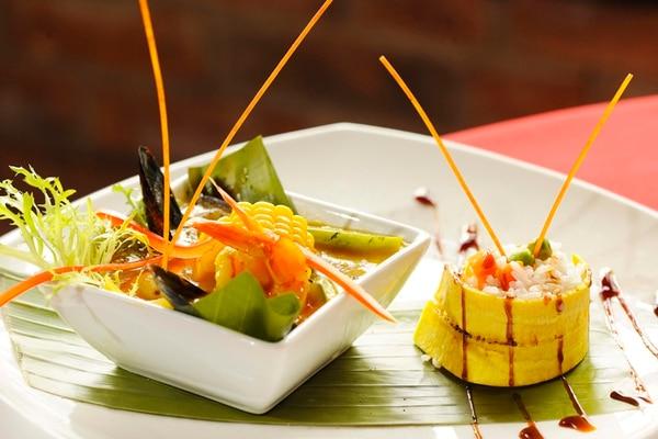 Afrodisiaco. A la moqueca de marisco se le puede agregar otros ingredientes, como plátano y elote. Eyleen Vargas/ Restaurante Fogo Brasil/ chef Aimar de Paula, www.chefaimar.com.br/