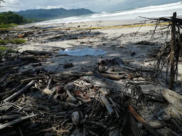 La playa Carmen, en Santa Teresa de Cóbano, Puntarenas, fue el escenario de uno de los crímenes. Foto: Suministrada por Andrés Garita.