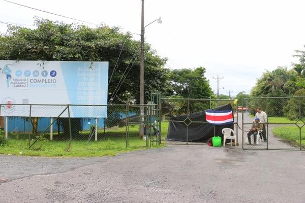 El Polideportivo Rogelio Alvarado está cerrado desde el 3 de julio anterior. Foto: Reiner Montero.
