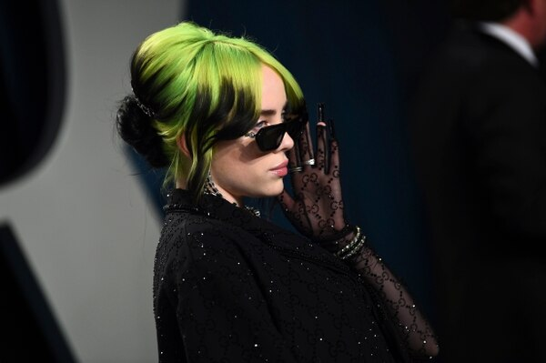 """Eilish se convirtió en enero en la artista más joven en lograr un """"grand slam"""" en los premios Grammy. Foto: AP"""