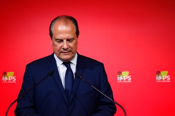 El primer secretario del Partido Socialista, Jean-Christophe Cambadelis, brindó un discurso este domingo durante un evento tras las elecciones legislativas.