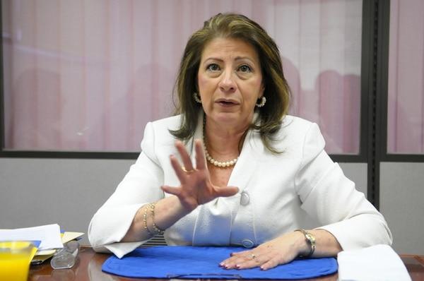 La directora de la Defensa, Marta Iris Muñoz, analizó el proyecto junto con otros defensores y consideró que el texto viola derechos.   ARCHIVO.