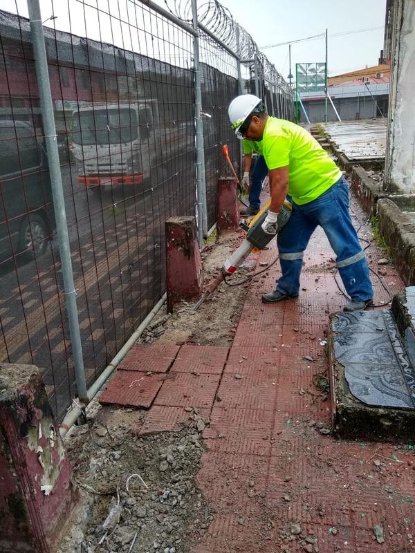 Las obras consisten en la preparación del sitio para levantar los cimientos de la nueva edificación. Foto: Suministrada por Teodoro Symes
