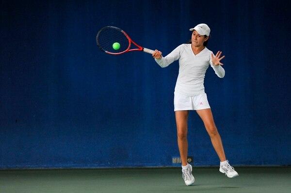 Tania Aizenman, demostró su gran potencial en la Copa Bridgestone cuando en la categoría de Dobles Mixto, alcanzó la victoria ayer . | RAFAEL MURILLO