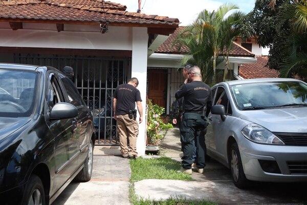 La casa de Mario Barrenechea, gerente del BCR en Santa Ana, fue allanada por el OIJ este 3 de noviembre.