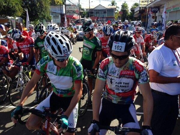 La novena etapa de la Vuelta a Costa Rica arrancó en Orotina.