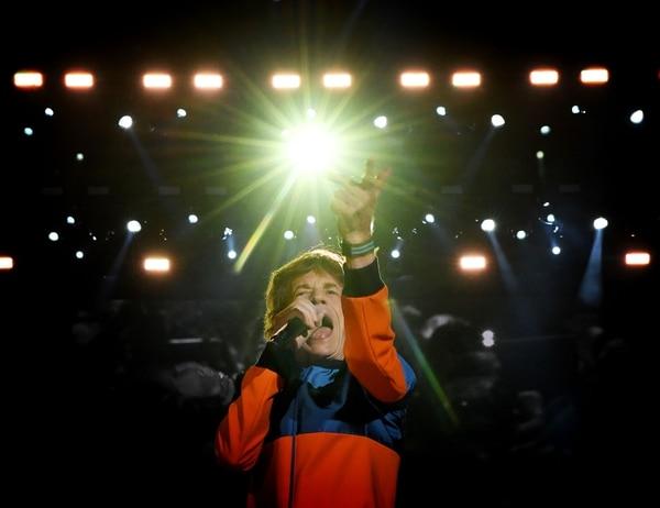 Mick Jagger, de los Rolling Stones, salió al escenario tan enérgico como siempre.