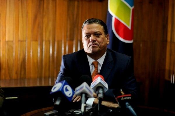 Johnny Araya demandaría al secretario de la ANEP, Albino Vargas, por divulgar que el candidato recibiría una notificación de la Dirección General de Tributación, el miércoles.