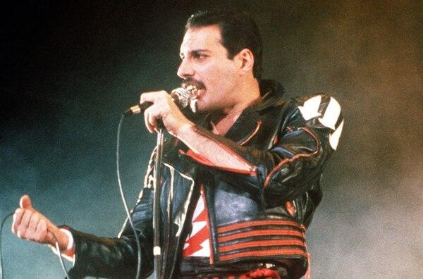 Freddie Mercury falleció en 1991 debido a complicaciones por el SIDA.