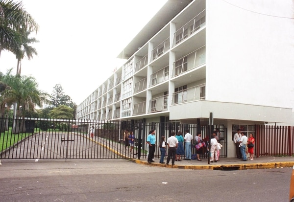 En el Hospital de Niños hacen todos los esfuerzos para lograr que la menor salga de la crisis, pero el pronóstico es muy reservado.