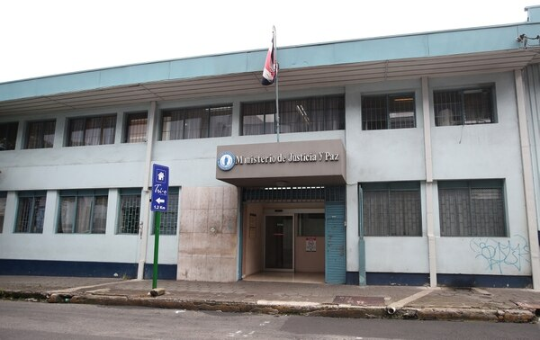 El Ministerio de Justicia abrió una investigación a lo interno para sentar eventuales responsabilidades.