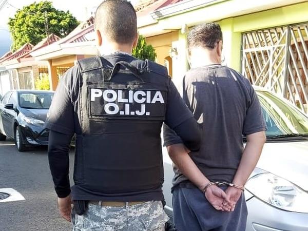 Moya Flores fue detenido el martes en Lagunilla de Heredia. Se le atribuye el delito de suplantación de identidad. Foto cortesía del OIJ.