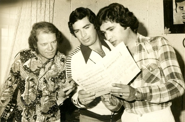 Internacionales.Pablo Peñaranda Talí y Alex Gamboa formaron parte del trío Los Millonarios. En 1977 se preparaban para ir a El Salvador a grabar su primer disco. Archivo La Nación.