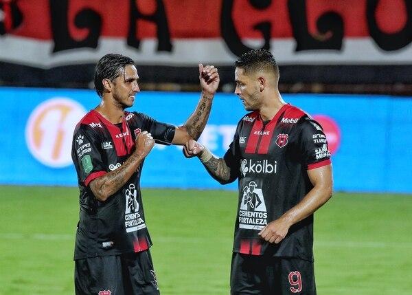 Bryan Ruiz jugó los 90 minutos por primera vez anotó; mientras que Jonatha Moya hizo dos asistencias y convirtió un penal. Fotografía: John Durán