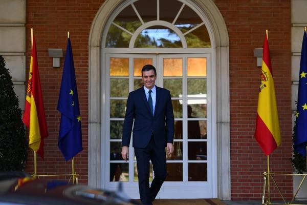 Pedro Sánchez, jefe del gobierno en funciones, se alistaba este jueves 14 de noviembre del 2019 a recibir al presidente electo del Consejo Europeo, Charles Michel, en el palacio de la Moncloa, en Madrid.
