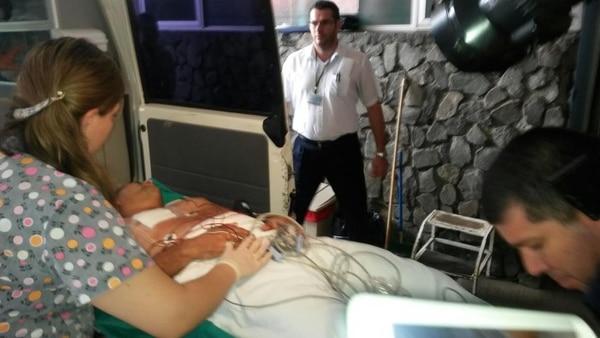 Las dos personas heridas se encuentran en el hospital de San Carlos en condición delicada.