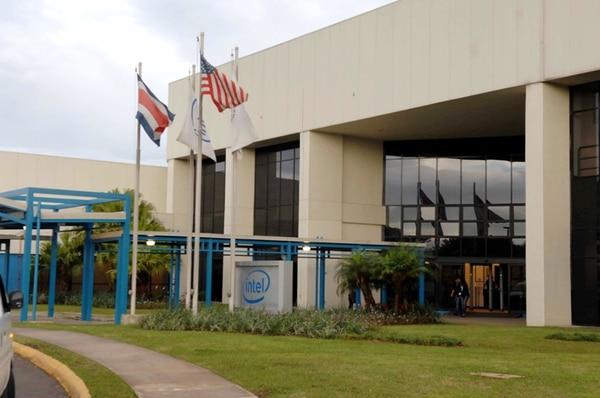 La fabricante mundial de microprocesadores Intel anunció en abril que cerraría su planta manufacturera en Costa Rica. La firma decidió mantener en el país los centros de Servicios Globales y de Desarrollo de Ingeniería. | ARCHIVO.